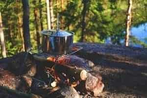 Camping off the grid campfire